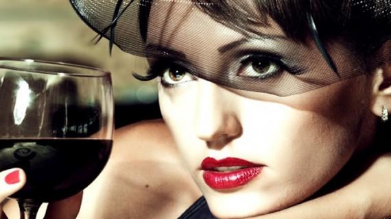 Cu cât te îngraşă un pahar de vin