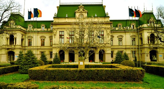 Noua lege a pensiilor, dezbătută la Iași
