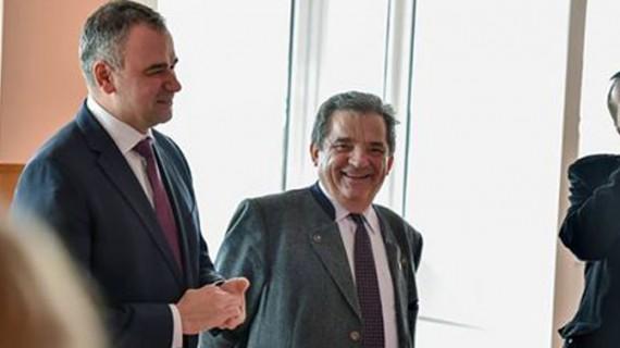 Marius Bodea şi-a prezentat primul sponsor pentru campania electorală