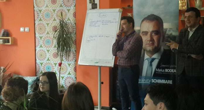 Afişul Bodea continuă campania electorală