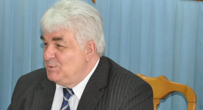 """Mihai Chirica este consiliat de o persoană cu """"disfuncţii emoţionale"""" declarate"""