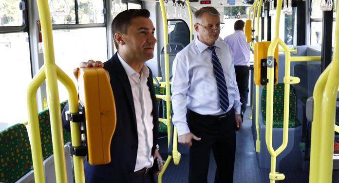 Iașiul are 4 autobuze noi. Mulțumim conducătorului iubit!