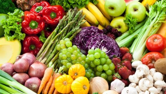 Suntem pe ultimul loc în UE la consumul zilnic de fructe şi legume