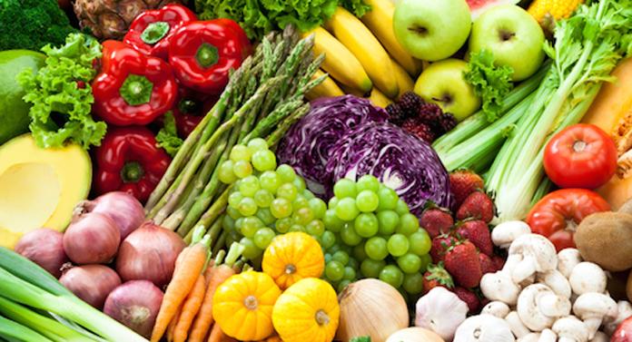 Câte pesticide se găsesc în fructele şi legumele pe care le consumăm?