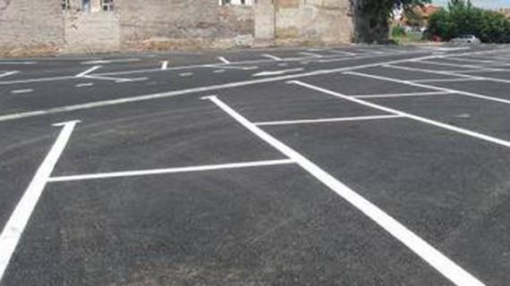Noi locuri de parcare scoase la licitație