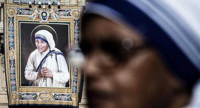 Maica Tereza – repere dintr-o viaţă de sfântă