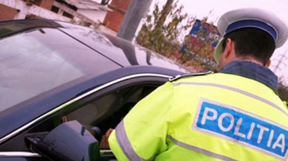 Polițistul era mai beat decât șoferul pe care l-a oprit în trafic!