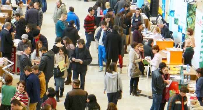 Mii de oportunităţi de angajare vă aşteaptă la Târgul de Cariere