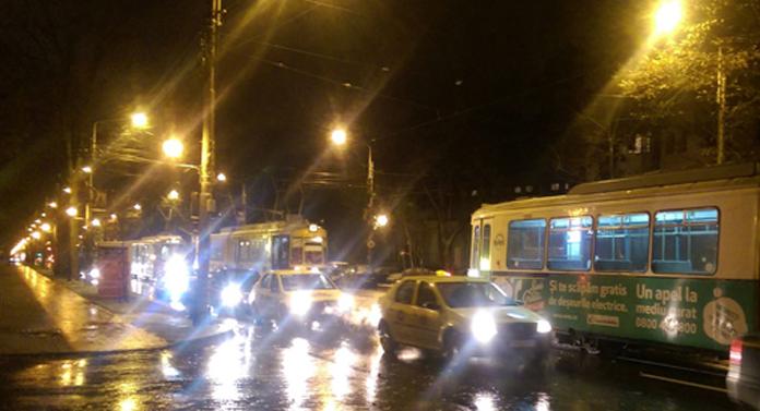 Tramvaie blocate în Copou GALERIE FOTO