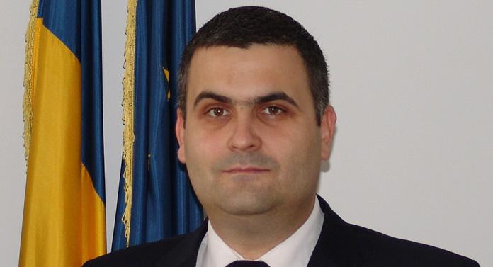 Gabriel-Beniamin Leş, ministrul Apărării Naţionale