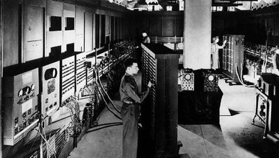 Primul calculator electronic pentru uz general