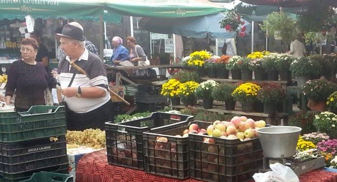 Chiar de ziua lui, primarul Mihai Chirica a anunțat că a mărit tarifele în piețe