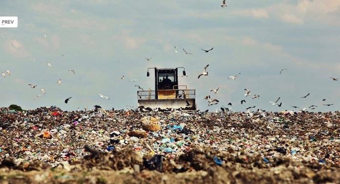 Dosarul gropii de gunoi Mestecăniș, preluat de procurorii DNA Suceava
