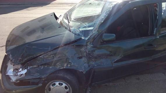 Accident cumplit produs de un șofer de 80 de ani. A văzut moartea cu ochii!