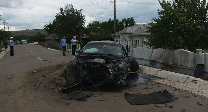 Accident teribil: Un inconștient cu BMW a băgat în spital o fetiță de 8 ani!