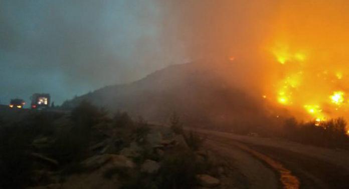 Incendiu de proporții la Bacău. Groapa de gunoi arde de 3 zile UPDATE