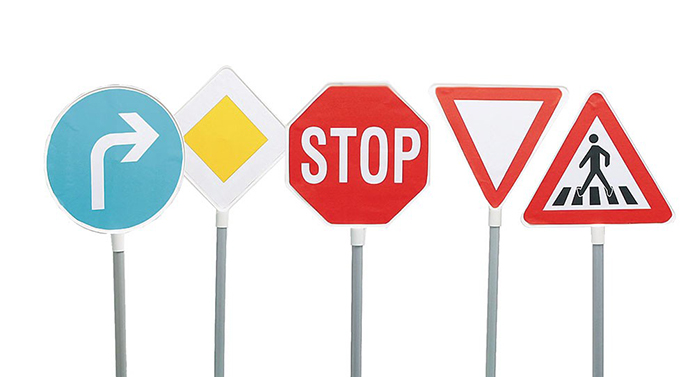 Virajul la stânga, interzis pe trei străzi intens circulate