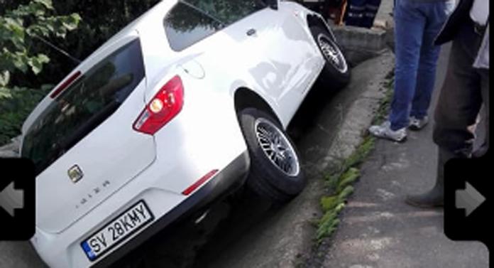 Accident urât produs de o șoferiță din Suceava! Poze greu de imaginat