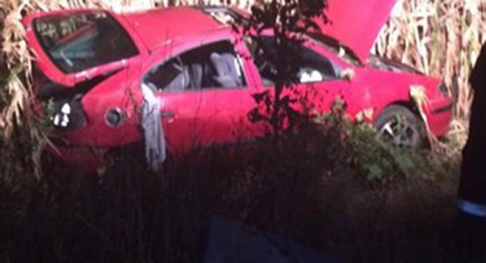 Accident la Cucorăni. Mașină dată peste cap. Un pasager a luat-o la fugă