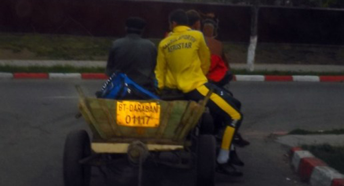 Fotbaliștii de la Aerostar Bacău au plecat de la stadion cu căruța