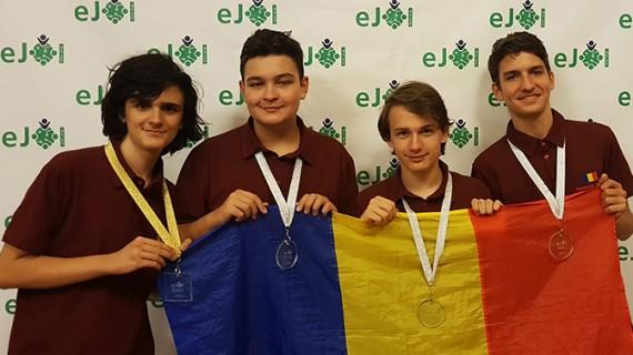Echipa României a obținut 8 premii la Olimpiada Europeană de Informatică pentru Juniori și la Balcaniadă