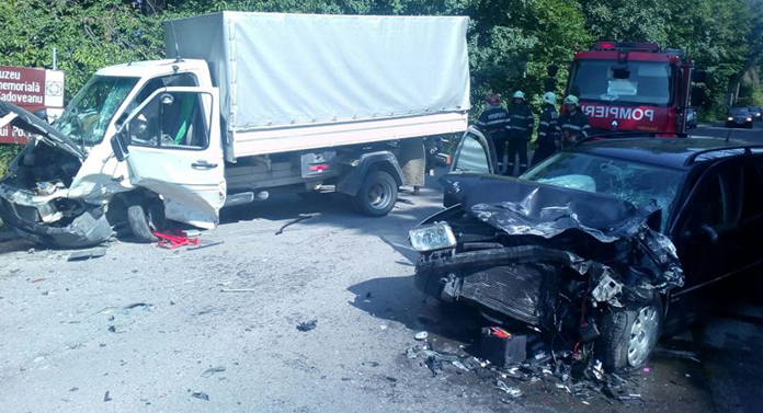 Șofer încarcerat în urma unui accident cumplit