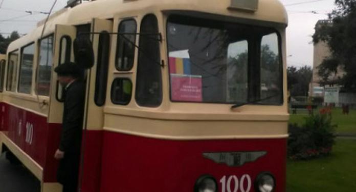 Tramvaiele trecutului, în Rond Târgu Cucu