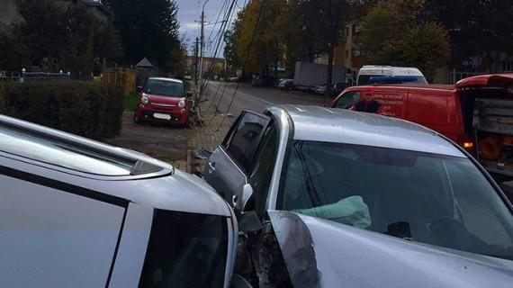 Prăpăd! Ce a putut face o șoferiță din Botoșani pe o stradă din Suceava
