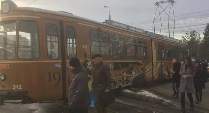 Accident în Fundaţie cu Tramvaiul Centenarului