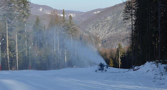 S-a deschis pârtia de schi din Sărărie