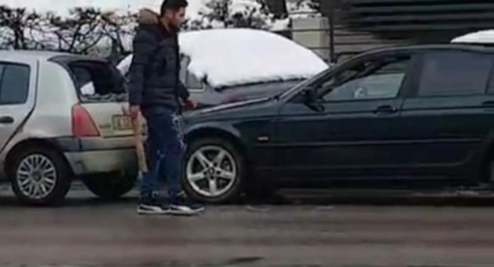Un botoșănean a vrut să-și facă dreptate cu bâta în trafic