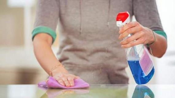 """Produsele """"antibacteriene"""", praf în ochii cumpărătorilor"""