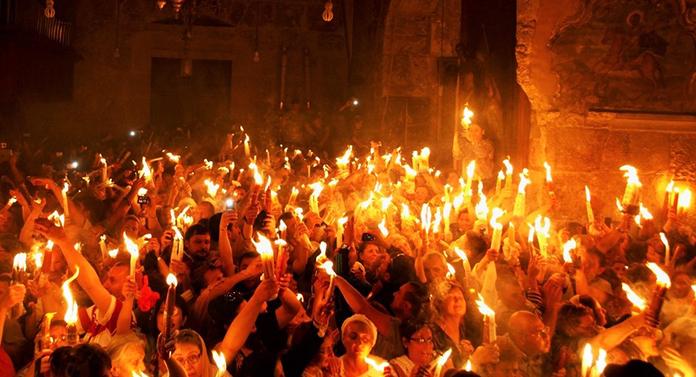 Lumina Sfântă de la Ierusalim ajunge și la Iași