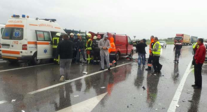ALERTĂ! 7 copii au ajuns la spital în urma unui accident cumplit