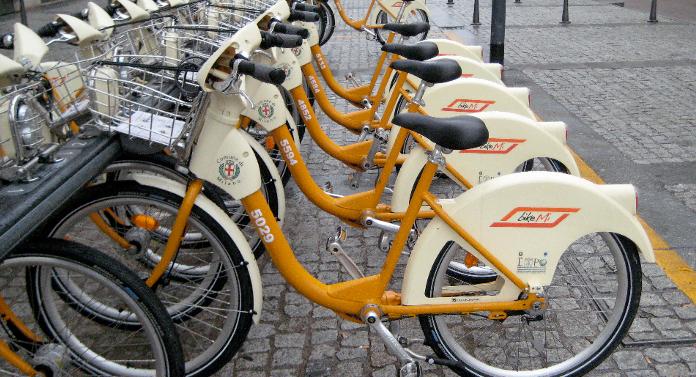 """Staţii de """"bike-sharing"""" la Iași"""