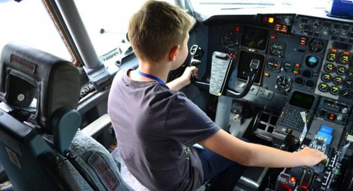 Copil de 13 ani, pilot de ziua lui