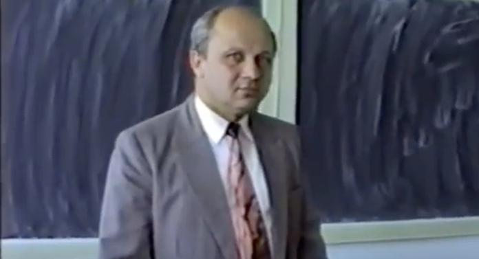 A murit profesorul ieșean Constantin Paidos