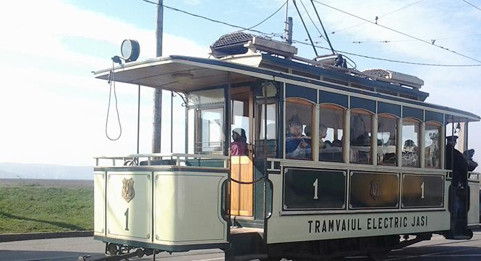 Copiii pot călători cu tramvaiul de epocă de ziua lor