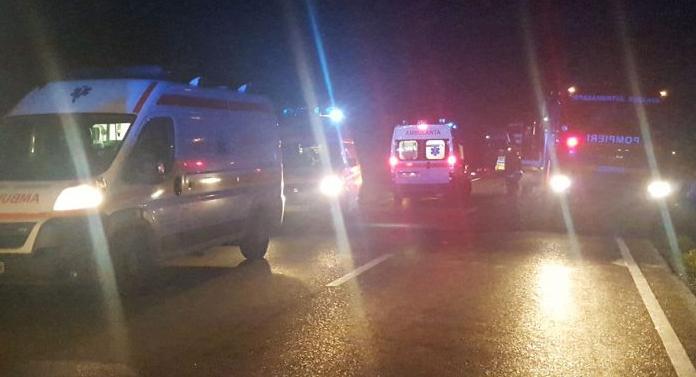 Imagini de la cumplitul accident de azi-noapte, de la Suceava. 43 de copii erau în autocarul care s-a răsturnat