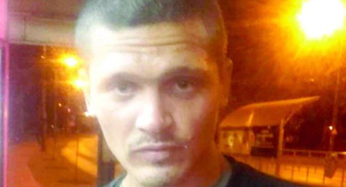 Bărbatul care agresa femei, prins și dus la poliție