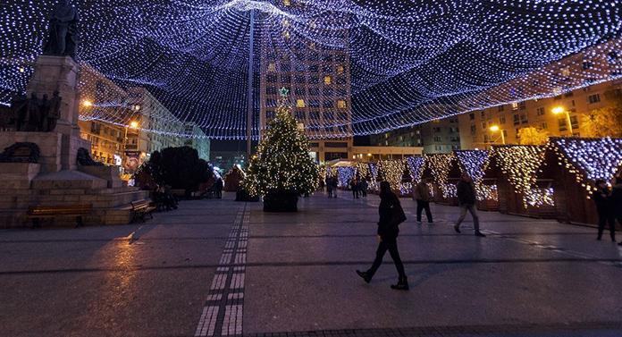 Iluminatul festiv va fi pornit pe 1 decembrie