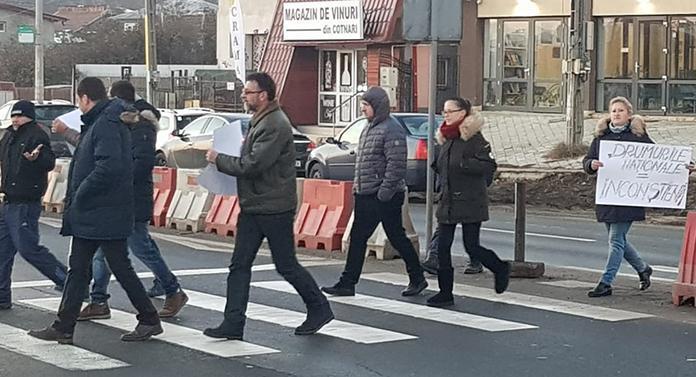 """Protest al """"vestelor galbene"""" la Valea Lupului"""
