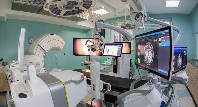 Cel mai performant robot din lume pentru operațiile pe coloană se găsește la Iași