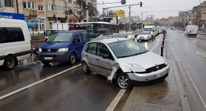 Accident în Păcurari. 3 maşini implicate