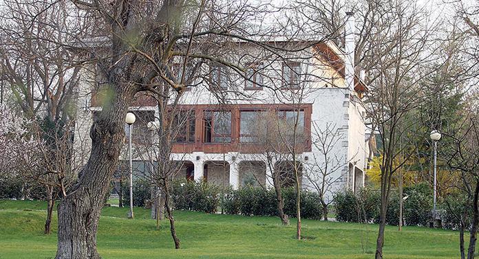 Casa de oaspeți a lui Nicolae Ceaușescu din Iaşi va fi demolată