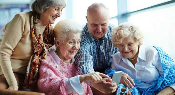 Municipalitatea ieșeană introduce cardul SeniorIS pentru pensionarii ieșeni
