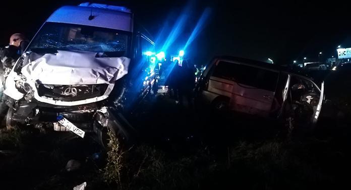 Noi imagini de la cumplitul accident de aseară. Urmările puteau fi catastrofale