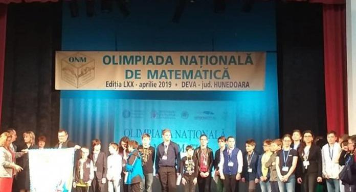 """Patru medalii pentru elevii Colegiului Naţional """"Costache Negruzzi"""" la Olimpiada Naţională de Matematică"""