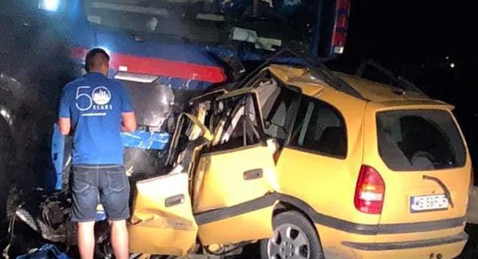 Accident CUMPLIT noaptea trecută! Un tânăr de 21 de ani a MURIT pe loc