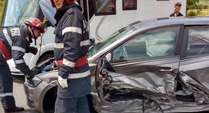 Accident cumplit produs de un șofer bulgar de 22 de ani